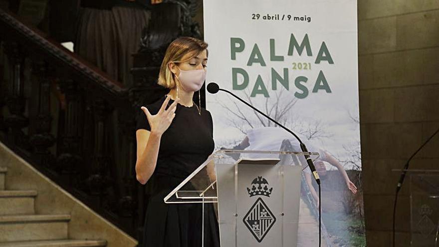 'Sus' al PalmaDansa con Janet Novás y Eulàlia Bergadà
