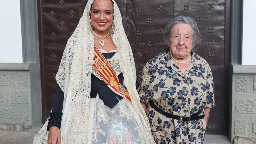 """Adiós a """"doña Vicenta"""", la reina madre de las fiestas de València"""