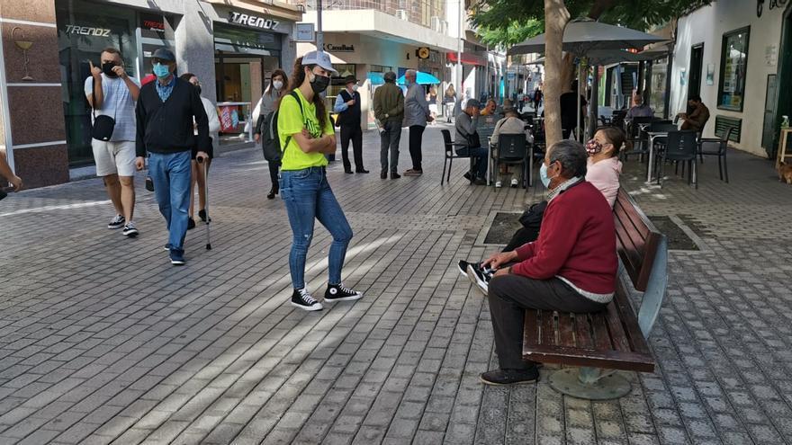 60 voluntarios colaboran en una campaña para recordar las medidas contra el Covid