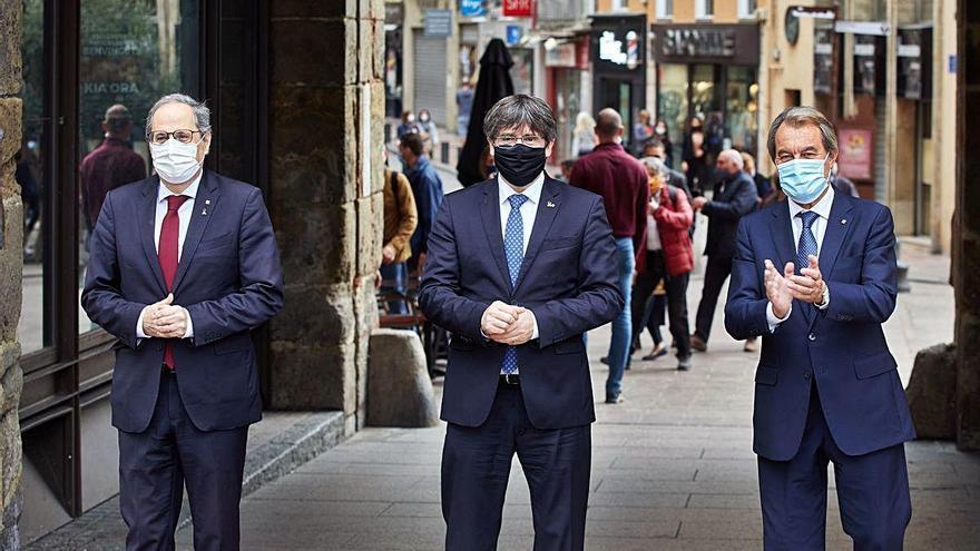 Puigdemont, Torra i Mas aparquen les diferències polítiques en l'acte de Perpinyà