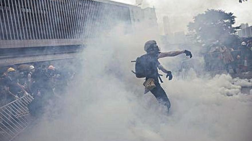Batalla campal a Hong Kong per la reforma de l'extradició
