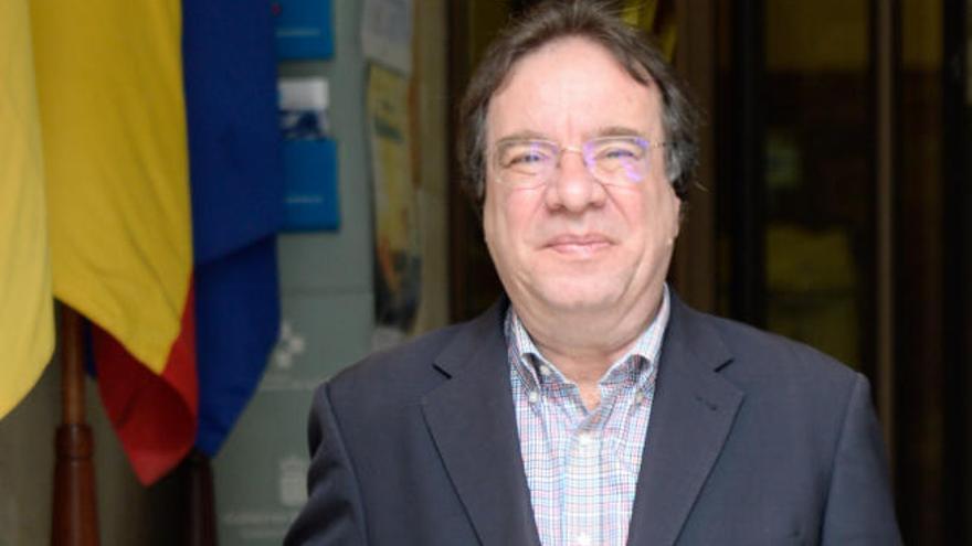 """Amós García: """"Hay que llegar al punto que permita coexistir salud y turismo"""""""