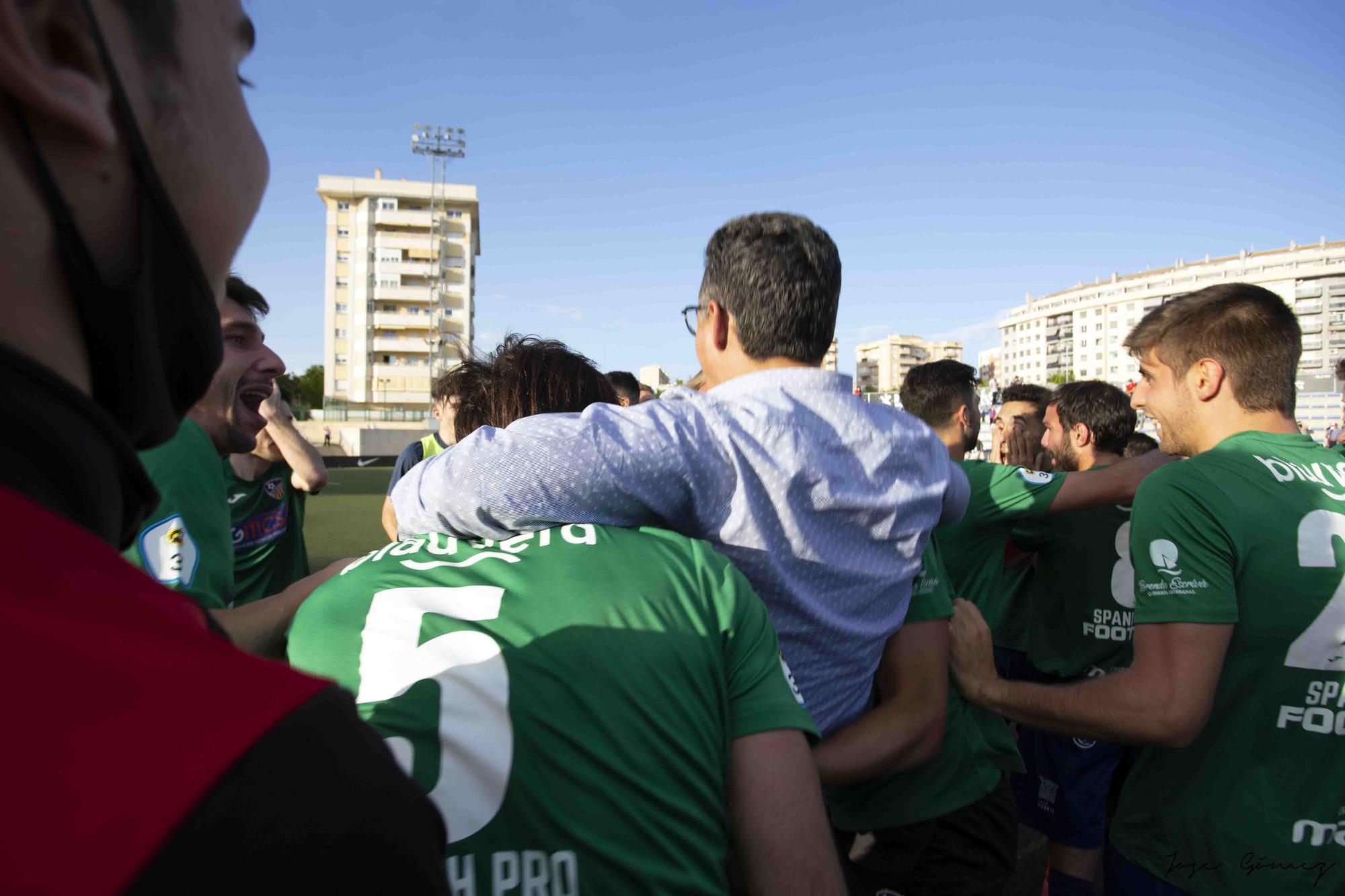 La UD Alzira celebra el ascenso a Segunda RFEF
