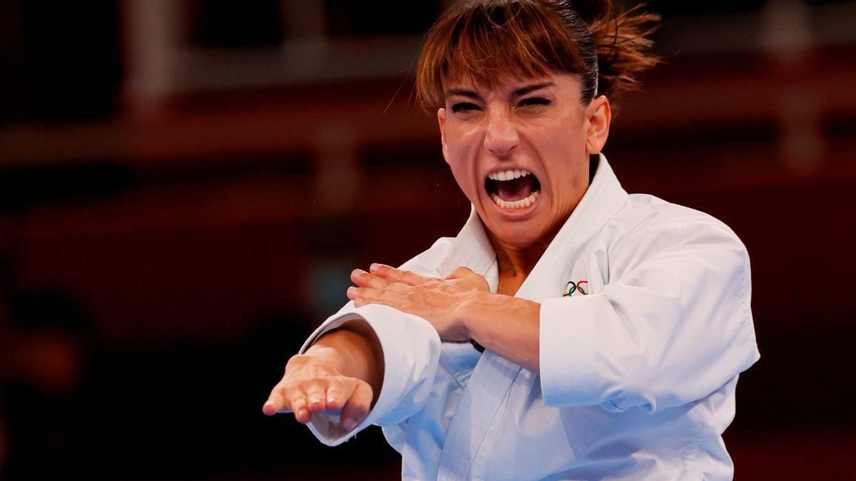 La número u del món, Sandra Sánchez, realitzant els katas