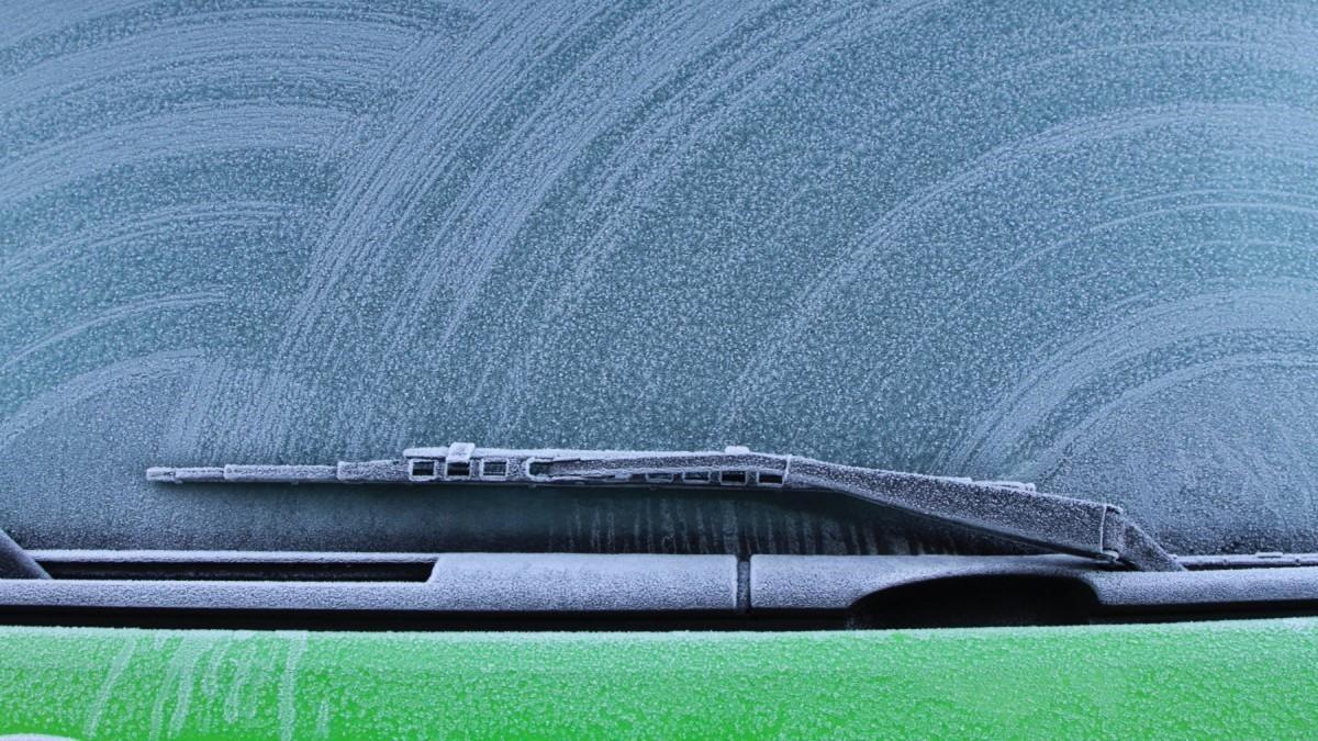 Consejos para retirar el hielo del parabrisas