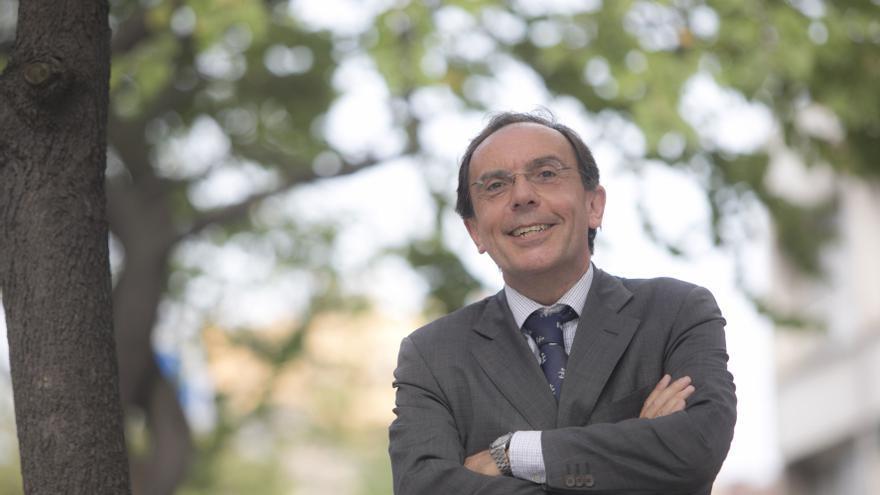"""Fernando Villabella, presidente del Oviedo Baloncesto: """"Hemos crecido y tenido mucha repercusión, el OCB está en la calle"""""""