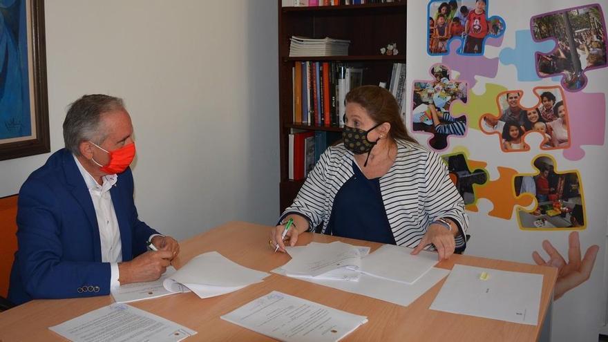 Acción Social suscribe un acuerdo con Cruz Roja para colaborar ante situaciones de emergencia