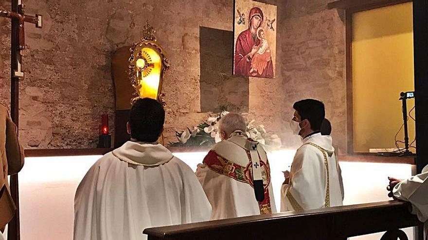 Cañizares bendice la nueva capilla Venerable Inés de Moncada