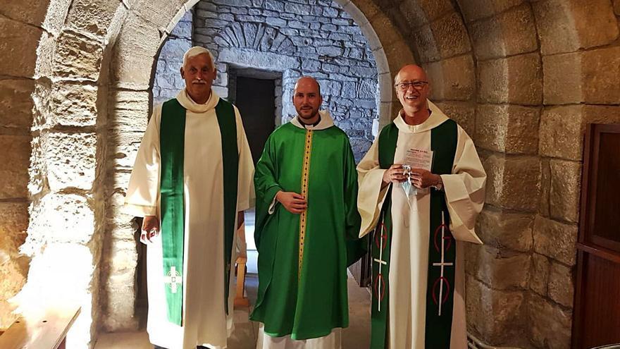 El 'papa negre' concelebra una missa al santuari de Viladordis