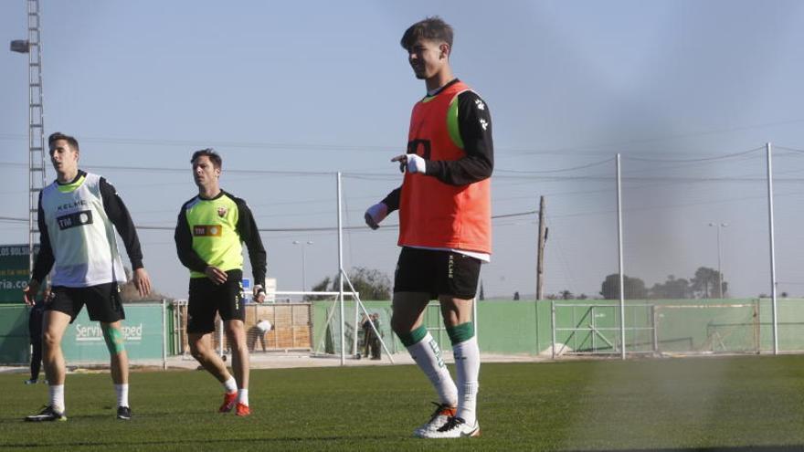 """Luis Pérez: """"Nuestro objetivo es marcar cuatro goles si nos hacen tres"""""""