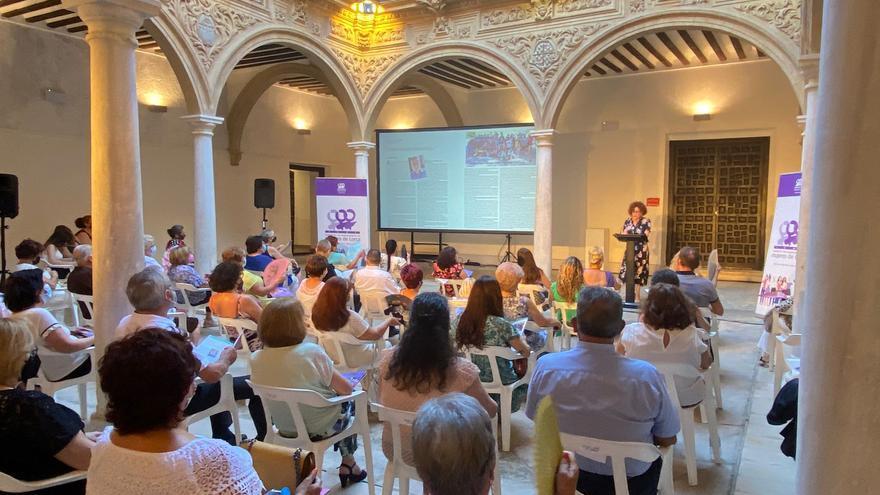Presentan en Lorca la revista 'Mundo Mujer'