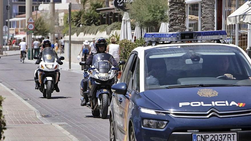 Dos clans romanesos obligaven a 37 nens a robar a avis en caixers de Madrid