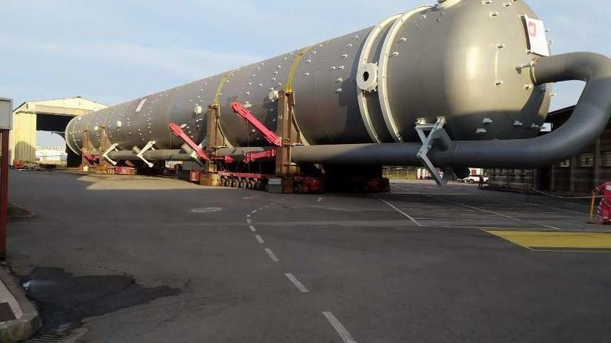 Un gran coloso que sale por mar rumbo a Amberes