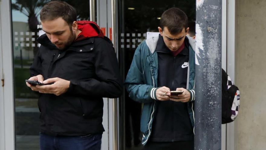 El INE registrará los desplazamientos de los españoles ocho días por sus móviles