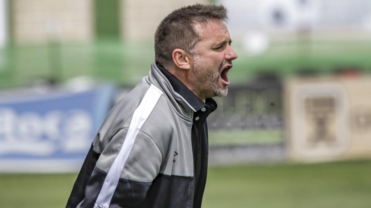 Julio Cobos, durante un partido.