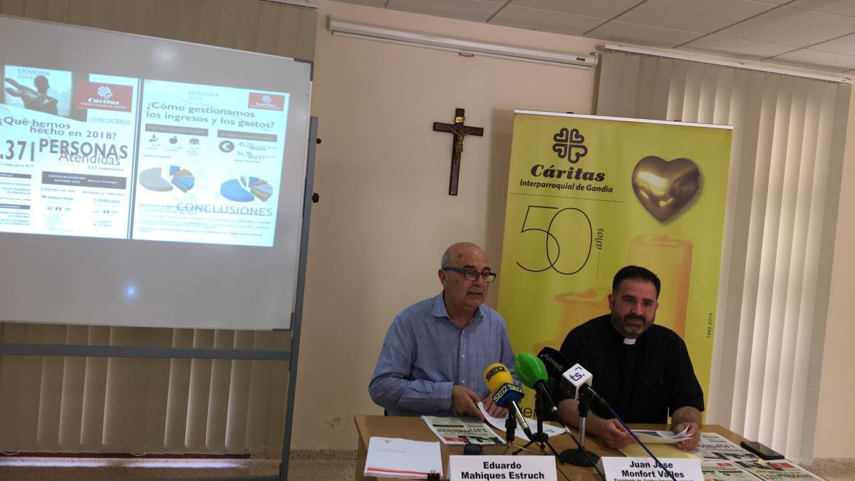 Responsables de Cáritas de Gandia en una comparecencia de prensa.
