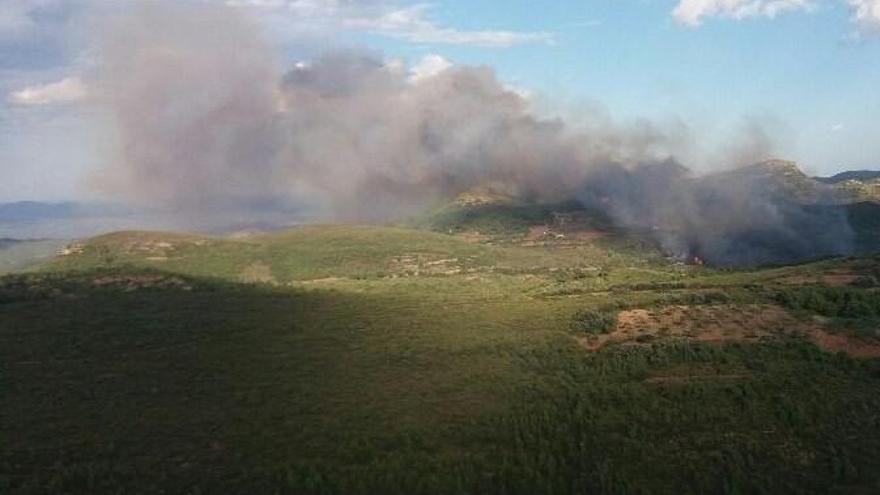 Un incendio amenaza la Sierra Calderona