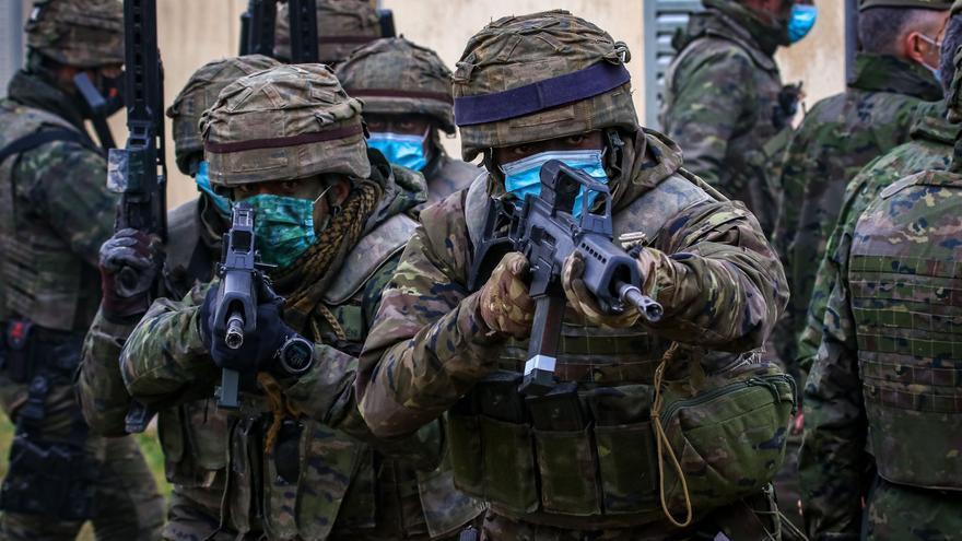 El Jefe del Estado Mayor del Ejército asiste al ejercicio Canarex 21