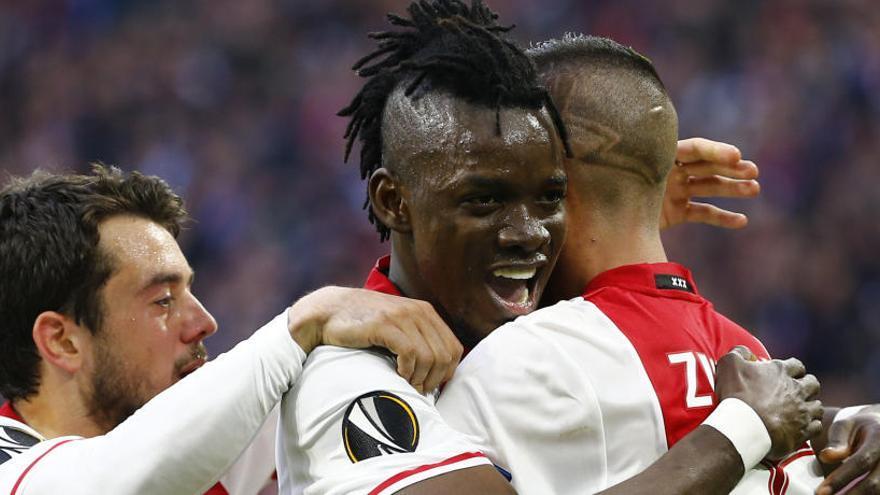 El Ajax golea al Lyon y acaricia la final de la Europa League
