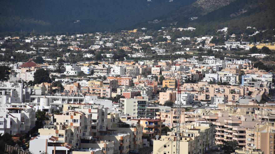 Ibiza se hipoteca en 851 millones, la mayor cantidad desde 2008