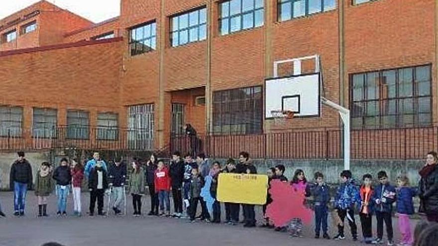 El AMPA de Santibáñez pide que siga una profesora sustituta