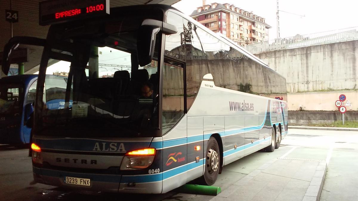 Archivo - Fotos de la estación de autobuses de Oviedo.