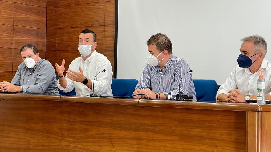 El PP critica la falta de medidas para salvar el sector del caqui en un acto en Carlet