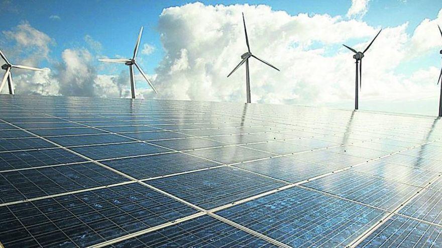 La planta fotovoltaica del aeropuerto Tenerife Sur ahorrará 140.000 euros al año