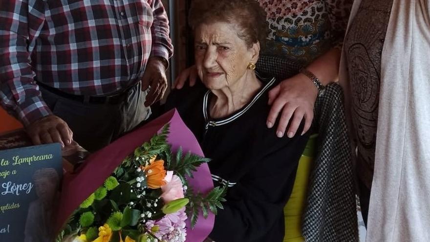Mercedes Ruiz López cumple un siglo de vida en Pajares de la Lampreana