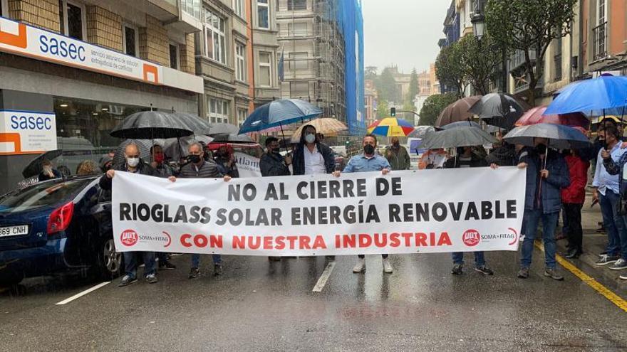 Rioglass Solar despide a la mitad de los 91 empleados de sus plantas de Mieres y Lena
