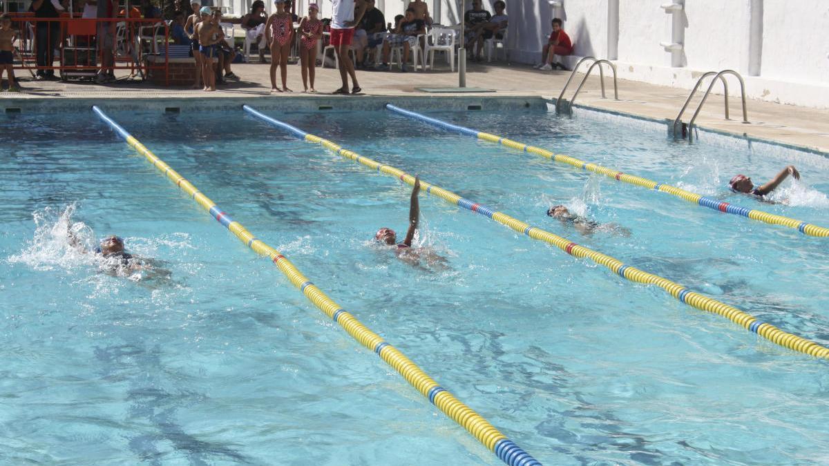 Las competiciones de natación figuran entre las posibles actividades