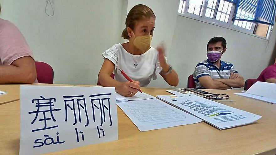 El chino llega a los cursos de profesionalización impartidos por Ucomur