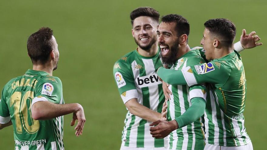 El Betis supera a Osasuna y se acerca a Europa