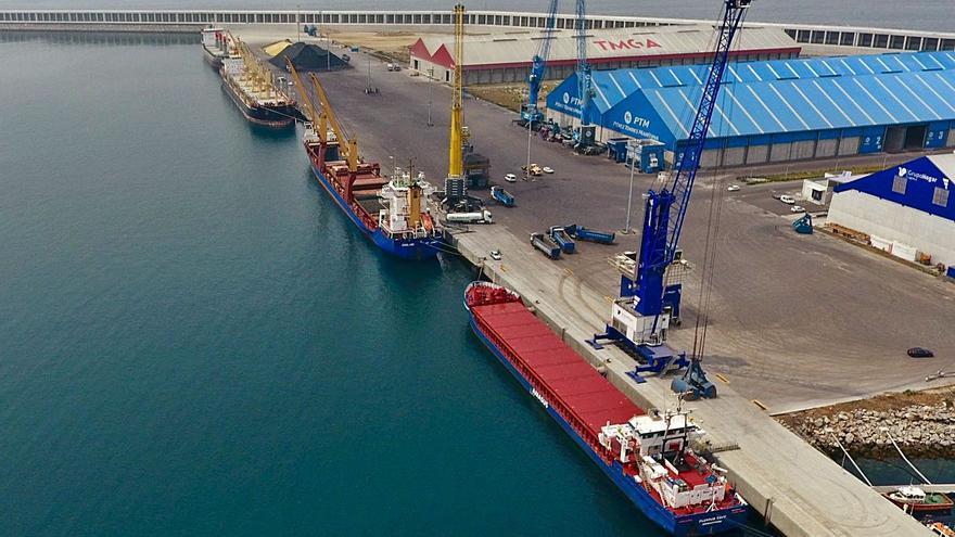 El futuro del puerto se juega a cuatro manos