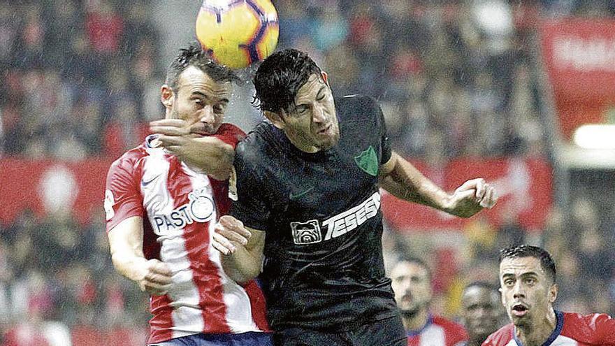 El Oviedo logra la cesión del delantero Blanco Leschuk