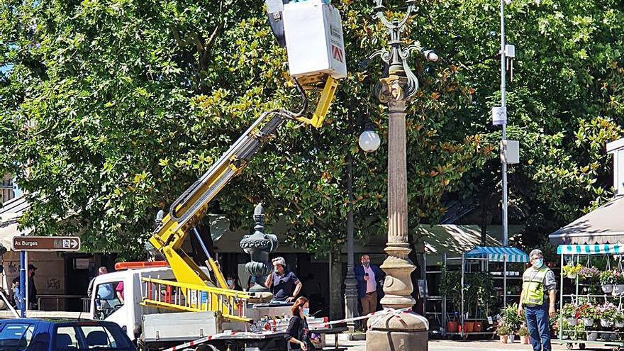Aseguran las columnas del acceso a la Alameda