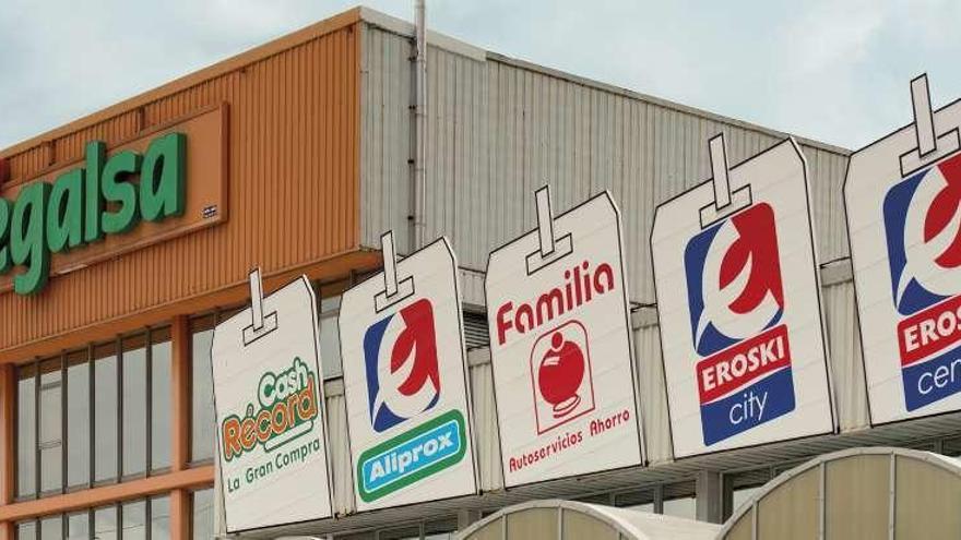 Vegalsa-Eroski rebasa los 6.000 empleados y factura un 3% más