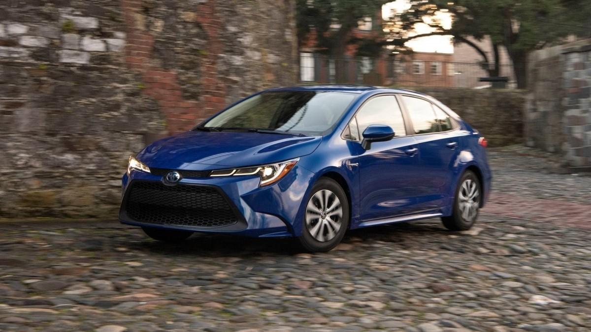 Los 10 coches híbridos más vendidos en 2020 en España