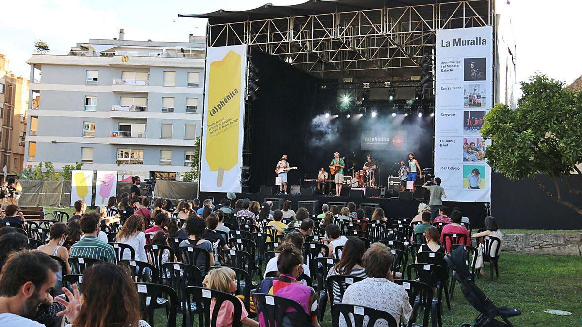 L'actuació de Ludwig Band ahir en un dels darrers actes de l'(a)phònica de Banyoles. | GERARD VILÀ/ACN