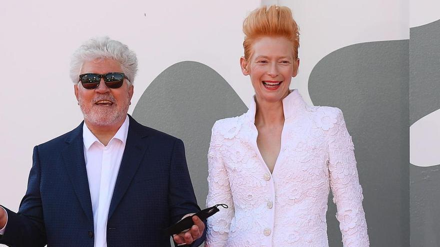 """Pedro Almodóvar presenta en Venecia 'La voz humana', un """"capricho"""" con Tilda Swinton"""