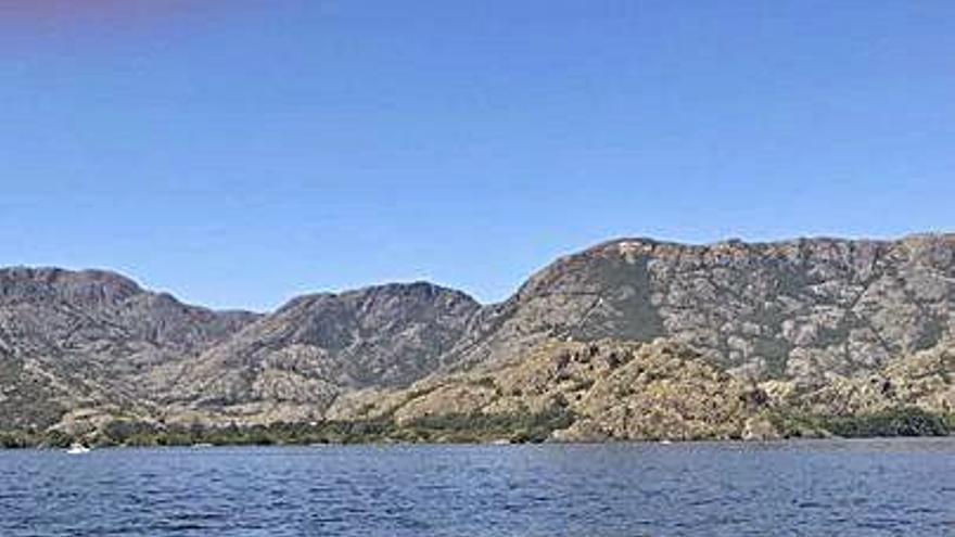 Suspenden la Travesía del Lago de Sanabria
