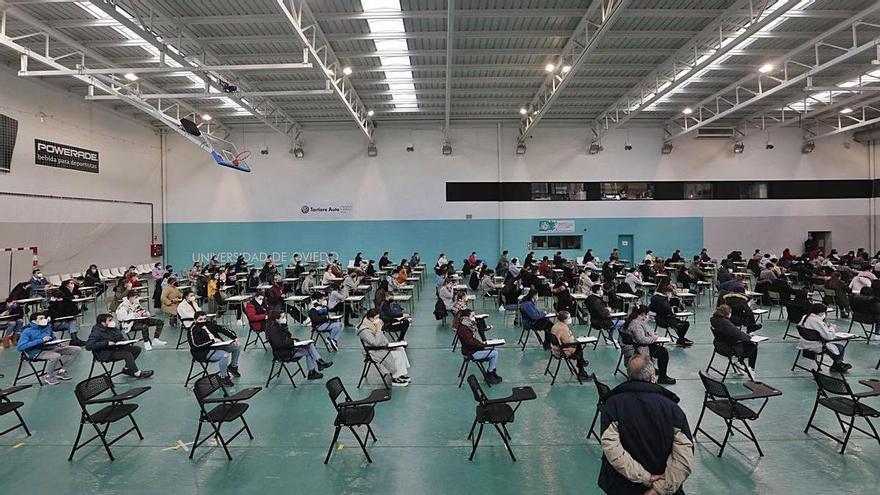 """Los universitarios llegan """"desmotivados"""" a los exámenes finales tras las clases online"""