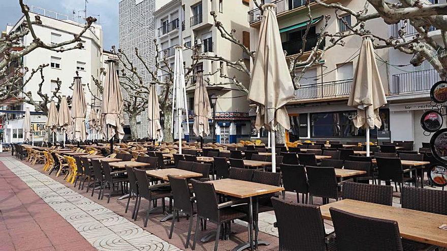 Roses no cobrarà l'ocupació de la via pública a partir de l'1 de juliol