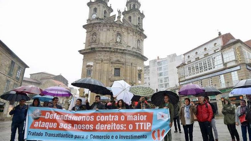 Contra la pobreza y el tratado de libre comercio