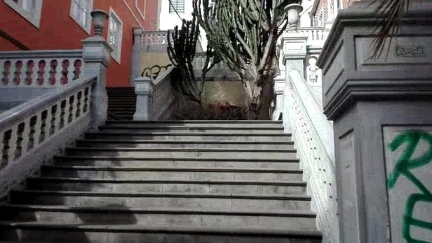 Una escalera mecánica en Perdomo conectará Triana con San Nicolás
