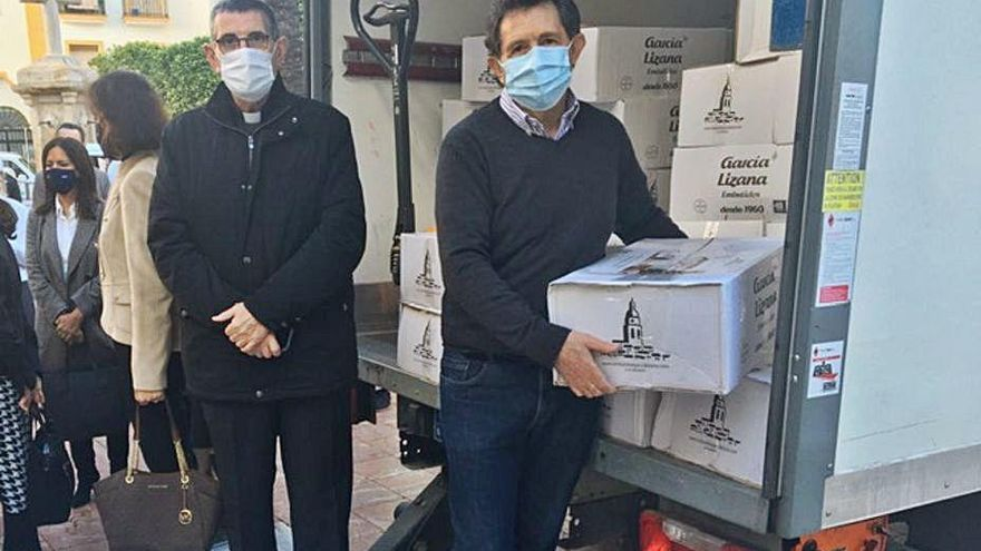 Donan nueve toneladas de comida para familias necesitadas