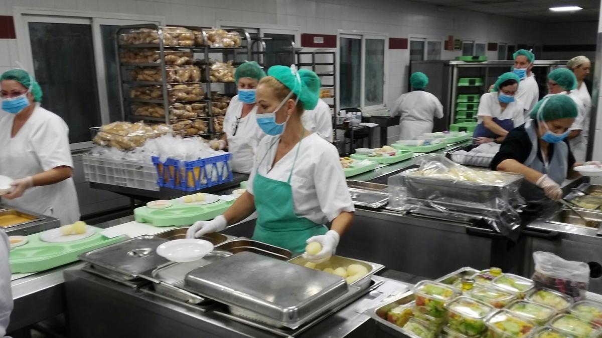 Los hospitales del SCS ofrecerán menús especiales por Nochebuena y Navidad