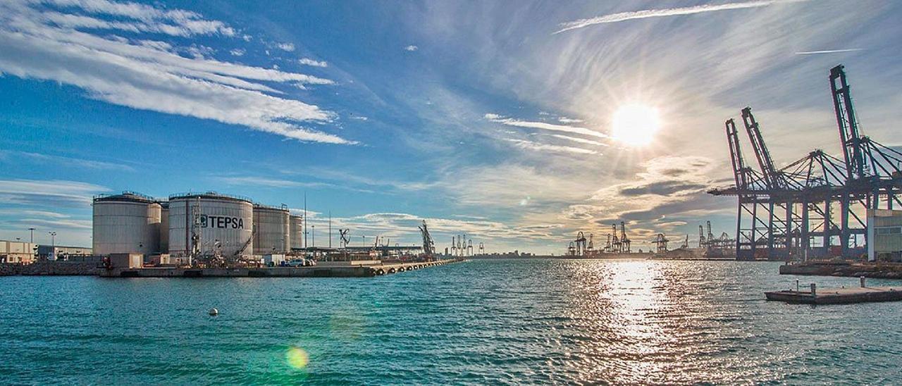 Competencia da luz verde al ´hub' petrolífero de Tepsa desde el Puerto de València