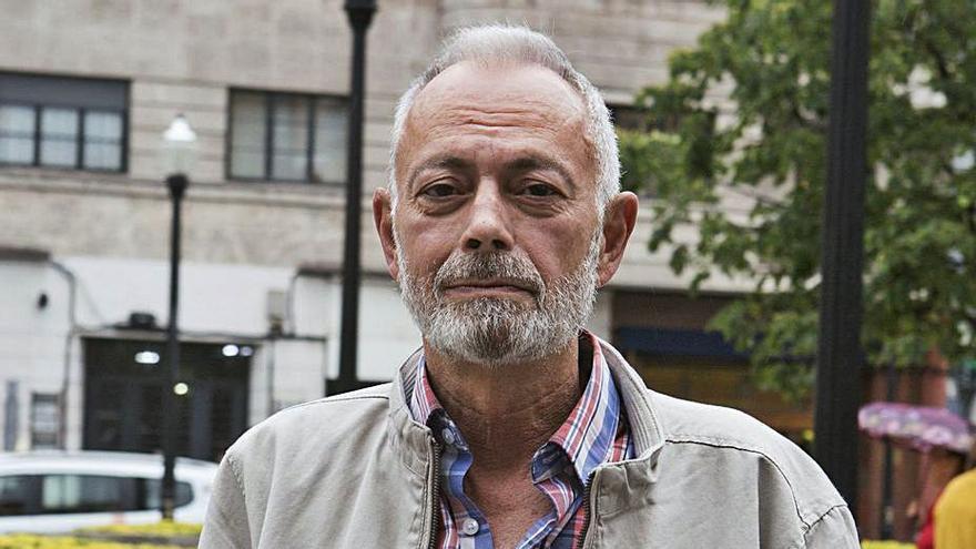 """El profesor Pedro Luis Menéndez ahonda en el """"desencanto"""" con """"Ciudad varada"""""""