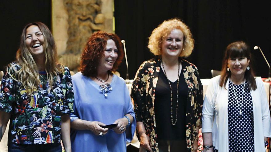 Mesa redonda de mujeres, primer acto previo a la Feria del Libro